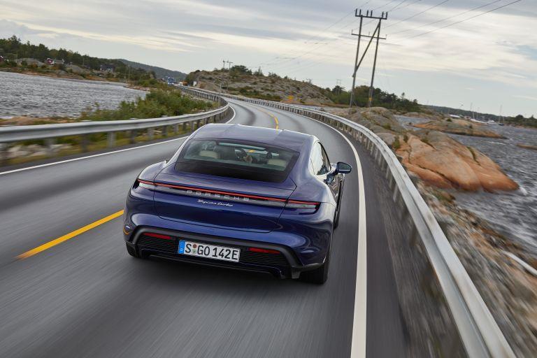 2020 Porsche Taycan turbo 562807