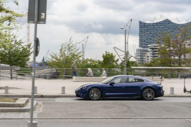 2020 Porsche Taycan turbo 562810