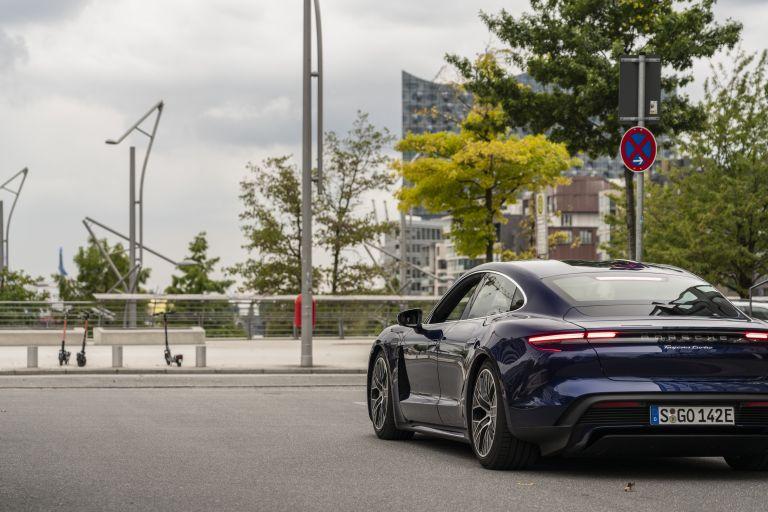 2020 Porsche Taycan turbo 562811