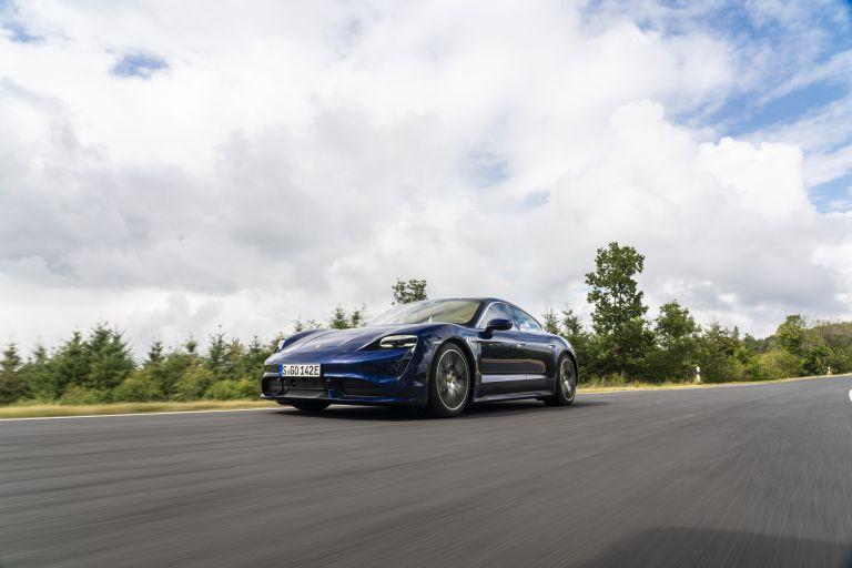 2020 Porsche Taycan turbo 562823