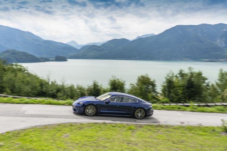 2020 Porsche Taycan turbo 562833