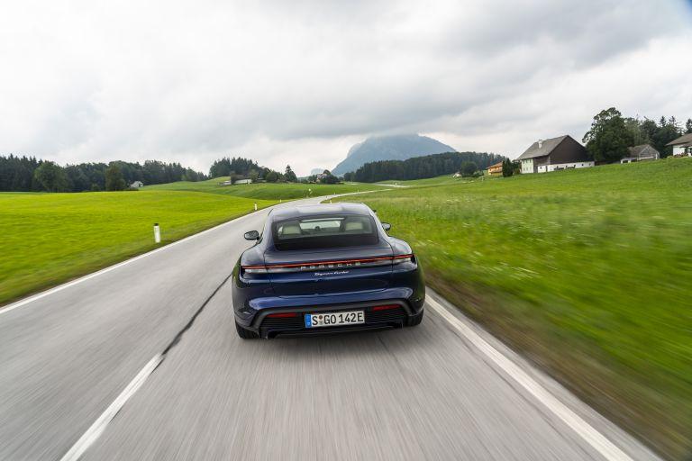 2020 Porsche Taycan turbo 562837