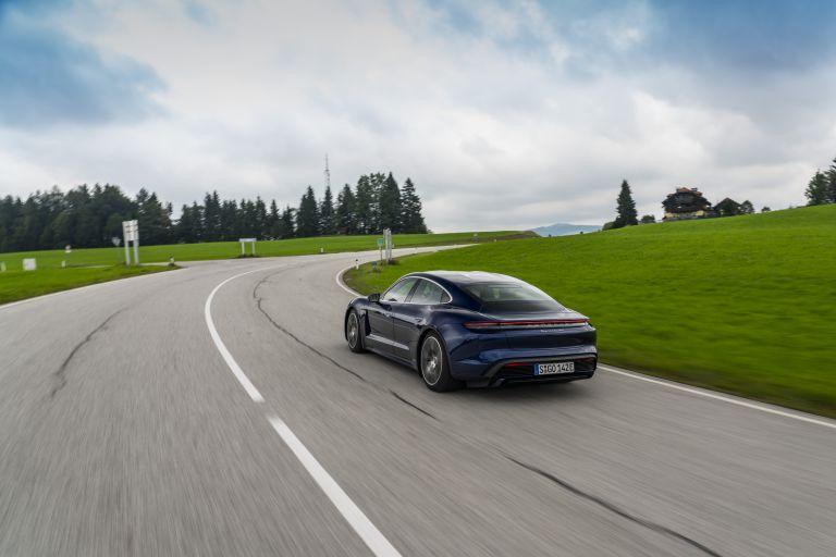 2020 Porsche Taycan turbo 562839