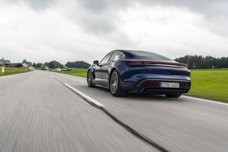 2020 Porsche Taycan turbo 562840