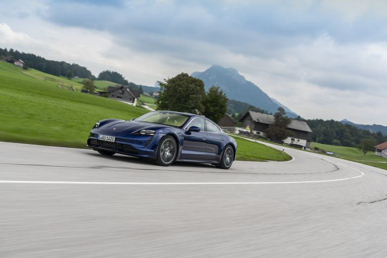 2020 Porsche Taycan turbo 562844