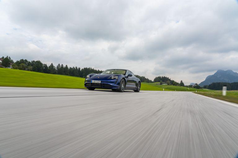 2020 Porsche Taycan turbo 562845