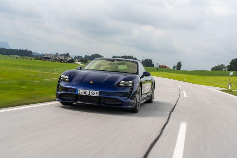 2020 Porsche Taycan turbo 562846