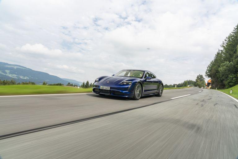 2020 Porsche Taycan turbo 562848