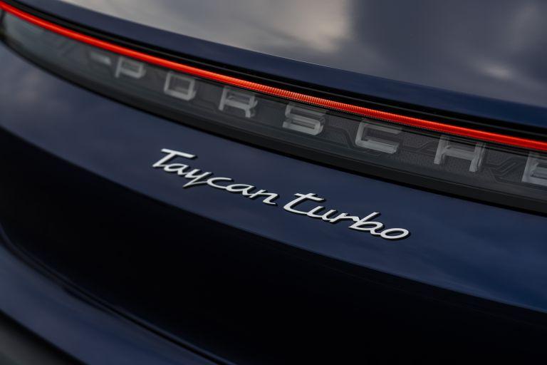 2020 Porsche Taycan turbo 562860
