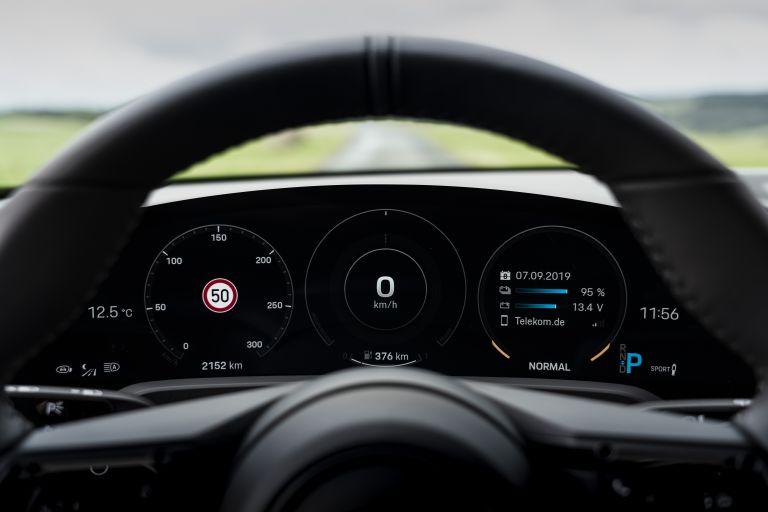 2020 Porsche Taycan turbo 562879