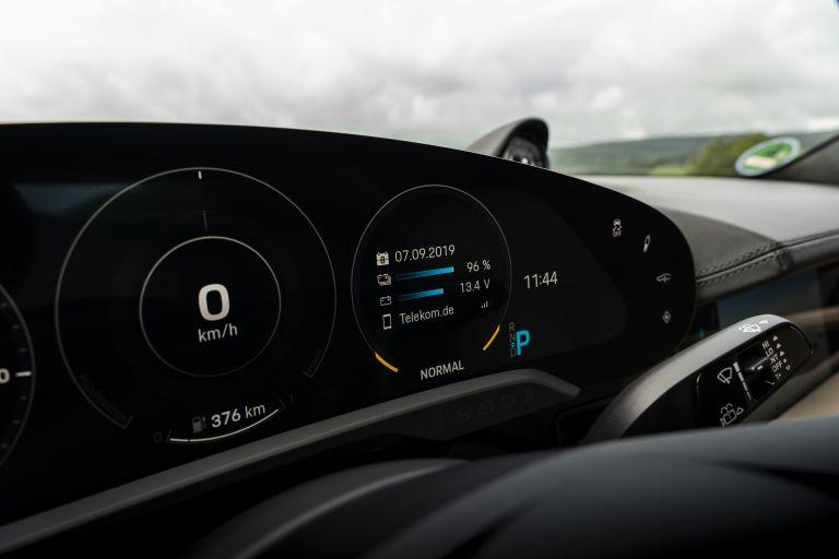 2020 Porsche Taycan turbo 562885
