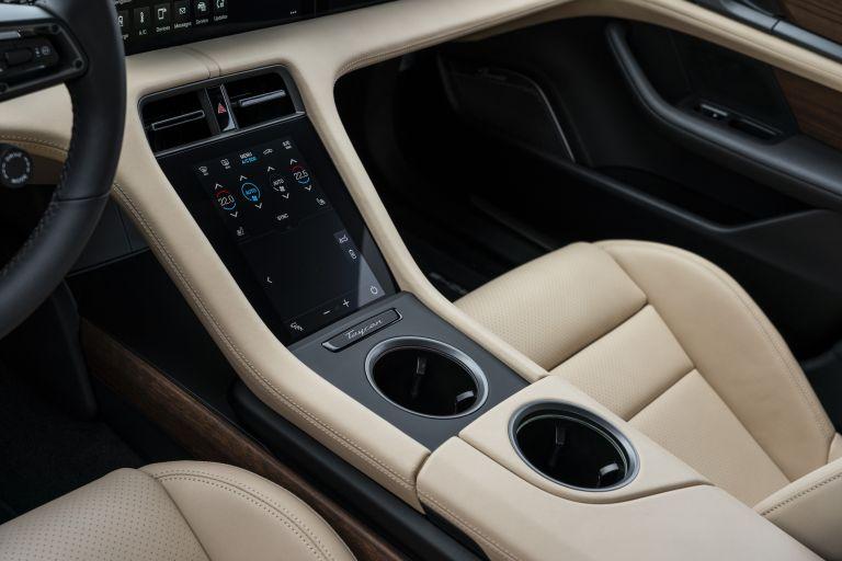 2020 Porsche Taycan turbo 562894