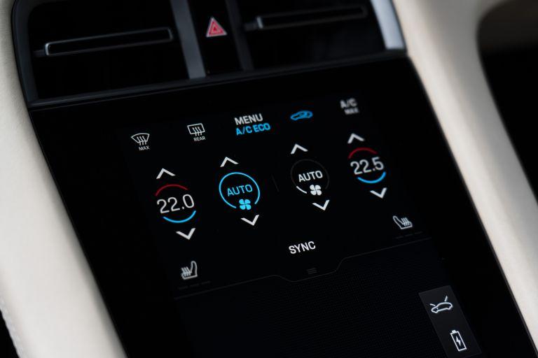 2020 Porsche Taycan turbo 562897