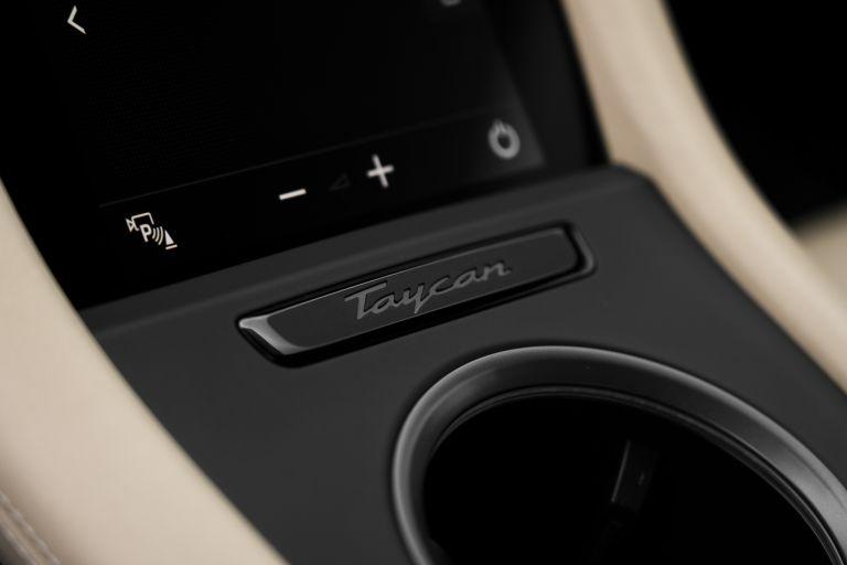 2020 Porsche Taycan turbo 562898