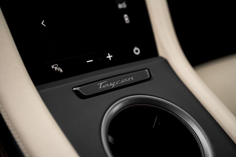 2020 Porsche Taycan turbo 562899