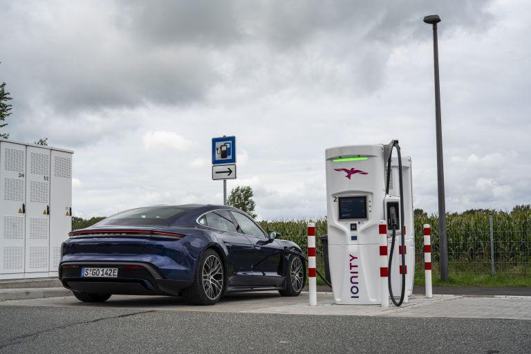 2020 Porsche Taycan turbo 562902
