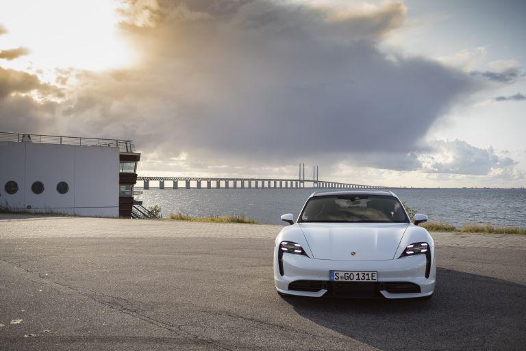 2020 Porsche Taycan turbo 562913