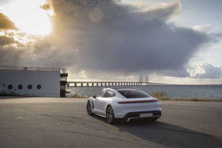 2020 Porsche Taycan turbo 562915