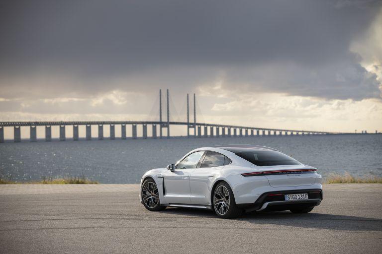 2020 Porsche Taycan turbo 562916