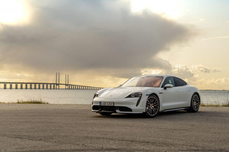 2020 Porsche Taycan turbo 562928