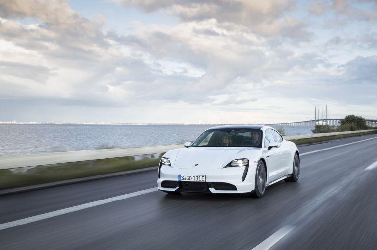 2020 Porsche Taycan turbo 562931