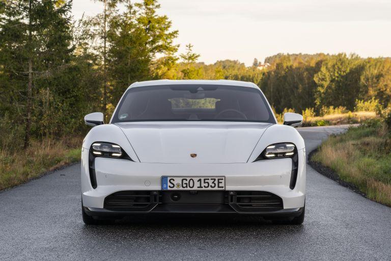 2020 Porsche Taycan turbo S 563108