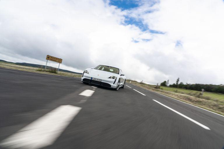 2020 Porsche Taycan turbo S 563109