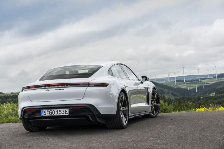2020 Porsche Taycan turbo S 563113