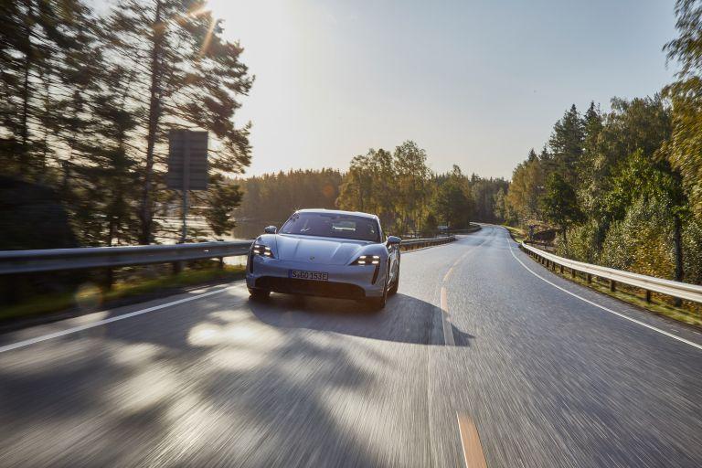 2020 Porsche Taycan turbo S 563122