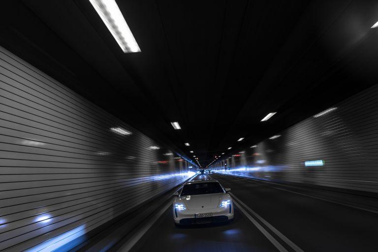 2020 Porsche Taycan turbo S 563123