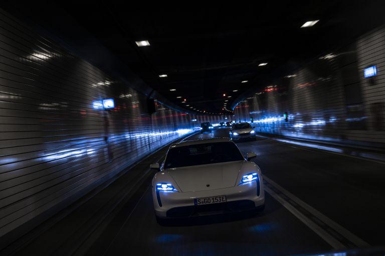 2020 Porsche Taycan turbo S 563125
