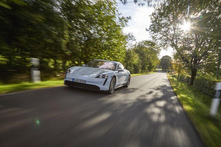 2020 Porsche Taycan turbo S 563136