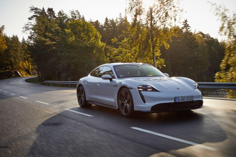 2020 Porsche Taycan turbo S 563138