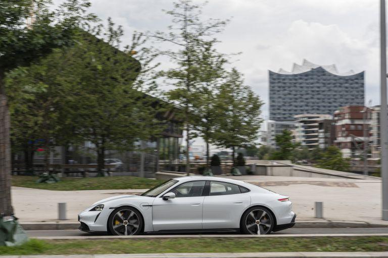 2020 Porsche Taycan turbo S 563144
