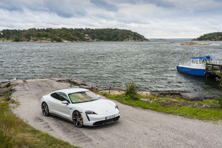 2020 Porsche Taycan turbo S 563176