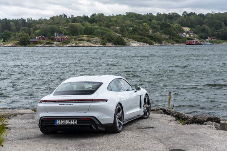 2020 Porsche Taycan turbo S 563178