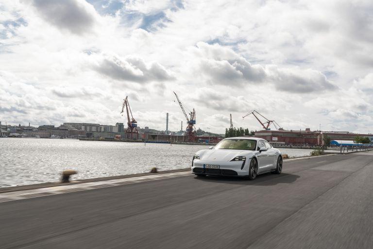 2020 Porsche Taycan turbo S 563184