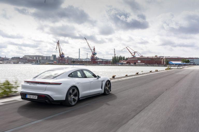 2020 Porsche Taycan turbo S 563197