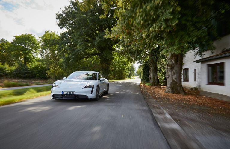 2020 Porsche Taycan turbo S 563225