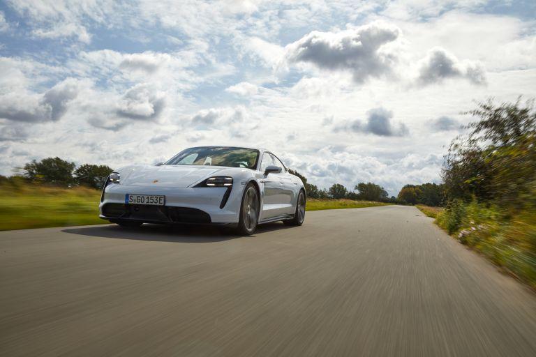 2020 Porsche Taycan turbo S 563226