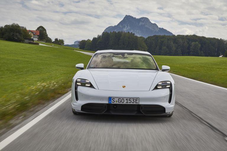2020 Porsche Taycan turbo S 563228