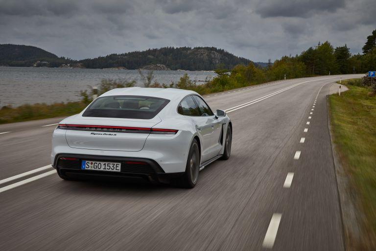 2020 Porsche Taycan turbo S 563233