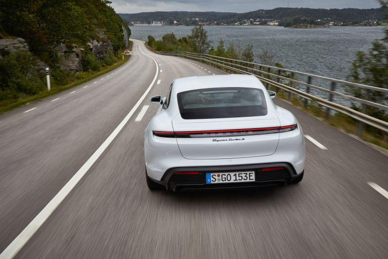 2020 Porsche Taycan turbo S 563235