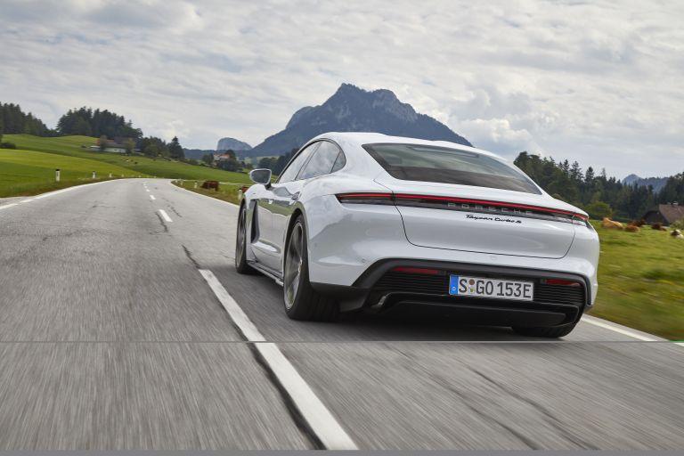 2020 Porsche Taycan turbo S 563236