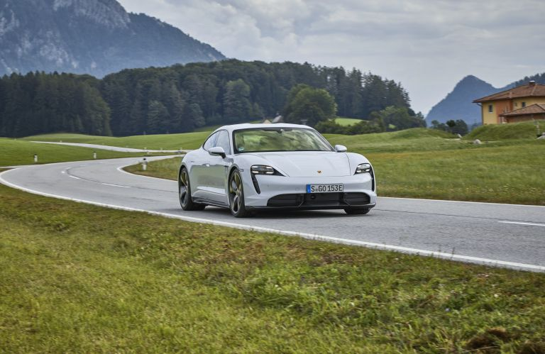 2020 Porsche Taycan turbo S 563244