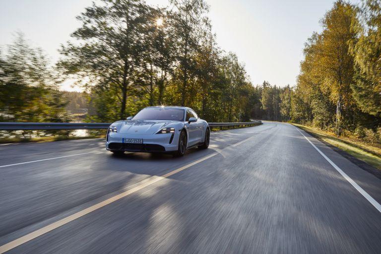 2020 Porsche Taycan turbo S 563245