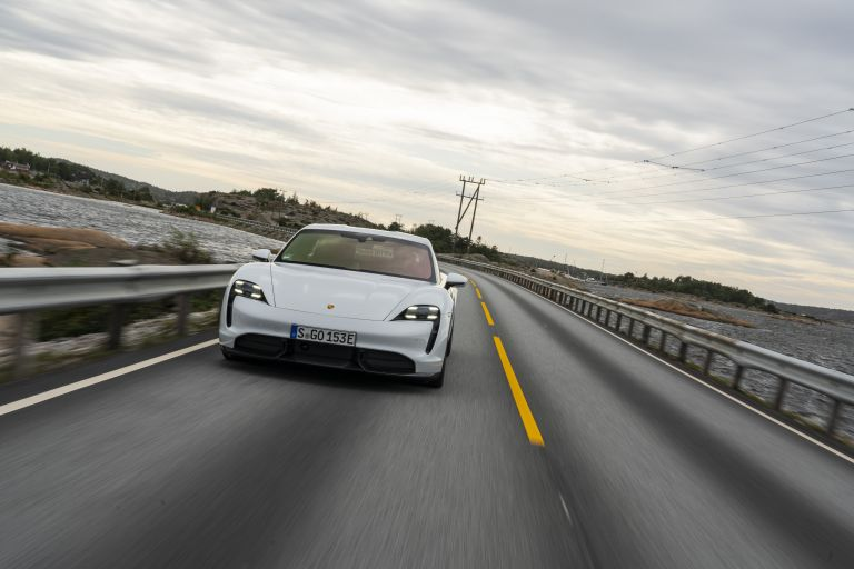 2020 Porsche Taycan turbo S 563248