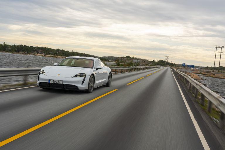 2020 Porsche Taycan turbo S 563249