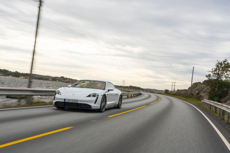 2020 Porsche Taycan turbo S 563250
