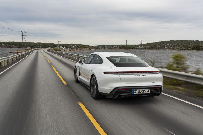 2020 Porsche Taycan turbo S 563254
